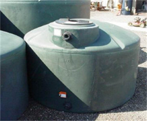 1550 gallon vertical water tank green